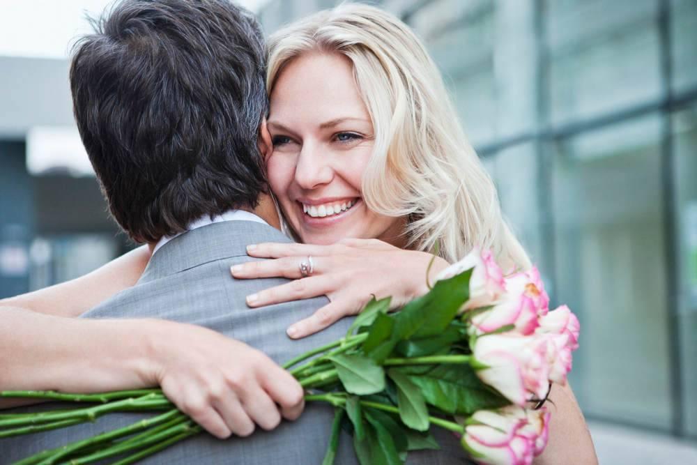 Что предпочитают дарить мужчины своим любимым дамам?